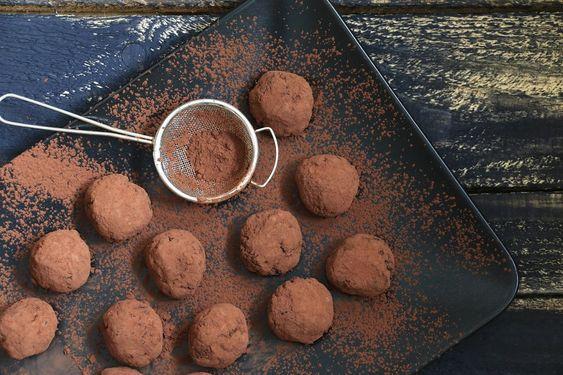 Pause gourmande : la recette des truffes au chocolat !